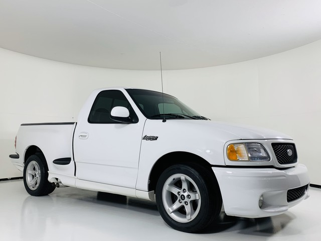Pre-Owned 2000 Ford F-150 Lightning