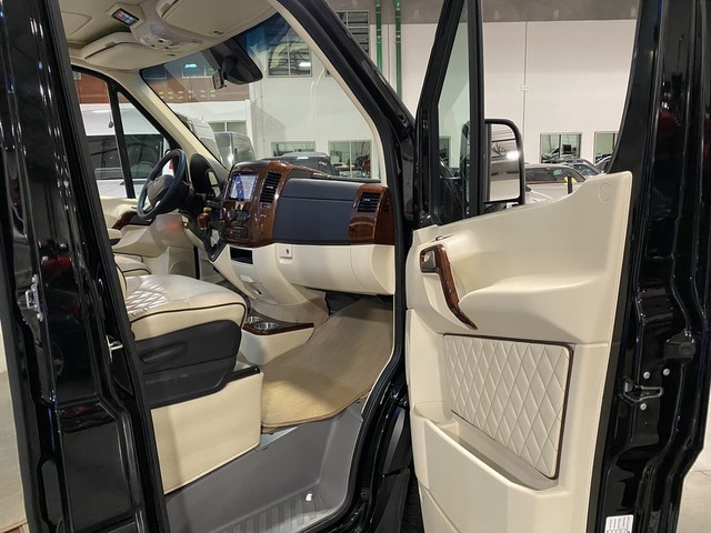 Pre-Owned 2018 Midwest Automotive Designs Signature Class No Partition G55