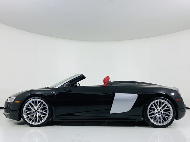 Pre-Owned 2018 Audi R8 V10 Convertible Quattro Spyder