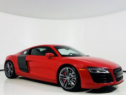 Pre-Owned 2015 Audi R8 Coupe 4.2L V8 w/ Carbon Blade